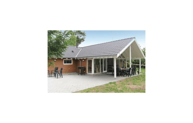Holiday cottage with 5 bedrooms on 175m² in Köpingsvik