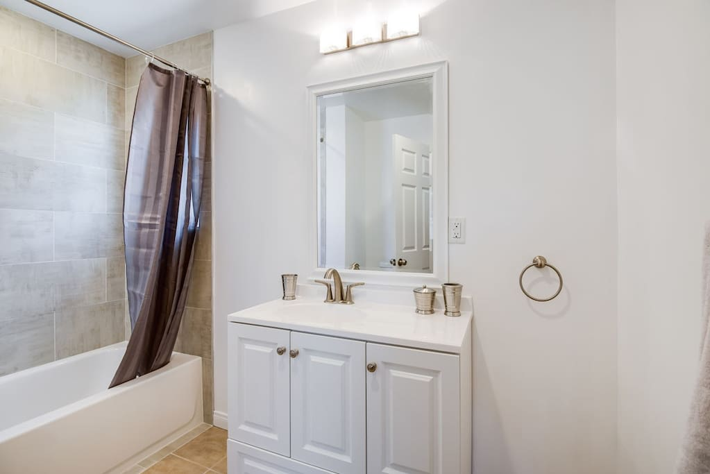 Newly Renovated Bathroom with tub/shower combo
