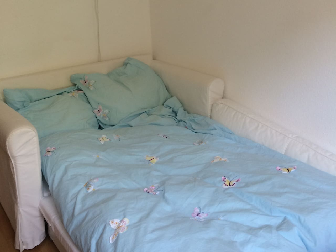 cosy bed, 120 cm x 195 cm, sleeps two persons, duvet 2x2 m