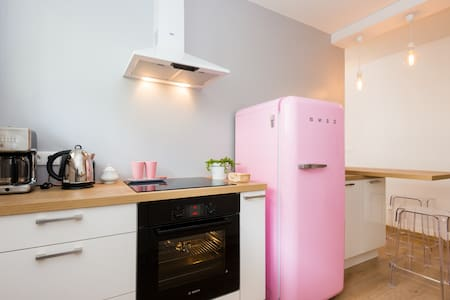Pink appartment with private parking