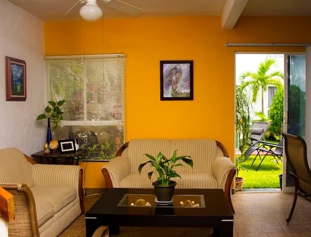 Two rooms in beautiful house. - Cancun - Bed & Breakfast