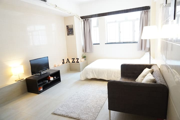 EXCLUSIVE HOMESTAY IN TSIM SHA TSUI - 香港