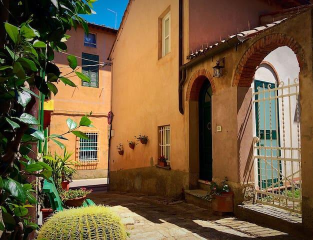 """""""La casa di nonno Livio"""" - Casciana Alta - House"""
