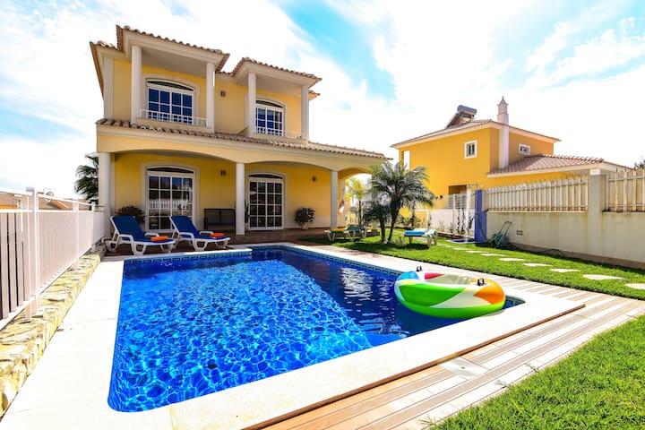 Villa Branquilla - Armação de Pêra - House