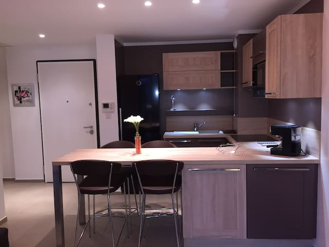 CHARMANT T2*** DANS RESIDENCE NEUVE - Propriano - Pis