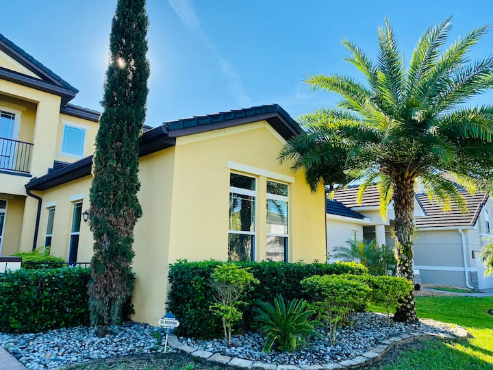 Near Disney, private and comfortable place