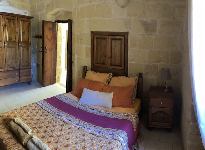 Double Room En-suite in a 500-year-old Farmhouse