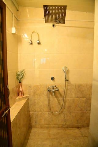 Duplex room Washroom