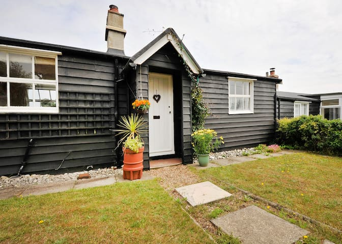 14 The Uplands Cottage - Thorpeness