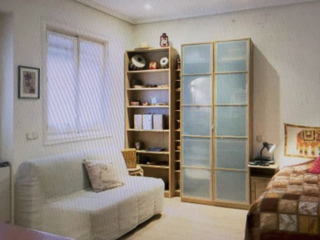 bedroom accommodation in Kristianst - 克里斯蒂安斯塔德 - Appartement