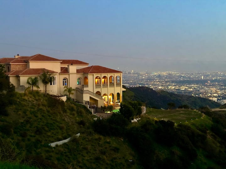 The Mansion at Runyon Canyon Peak, Hollywood Hills