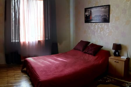 1 room apartment Kommunarov 5 str.