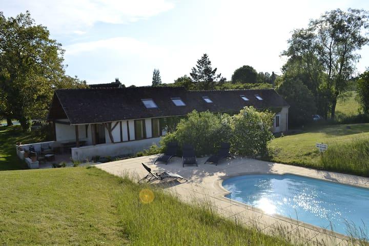 Maison à la campagne avec piscine - Saint-Jean-des-Échelles