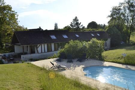Maison à la campagne avec piscine - Saint-Jean-des-Échelles - Ev