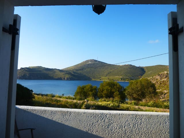 Cozy and romantic house with sea view - Skala, Patmos - Bed & Breakfast