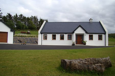 Luxurious 4 Star - 3 Bedroom Lodge - Nenagh - Hus