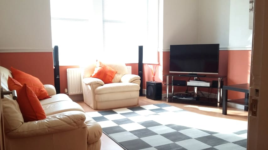 Spacious ground floor garden apt - South Croydon - Apartamento