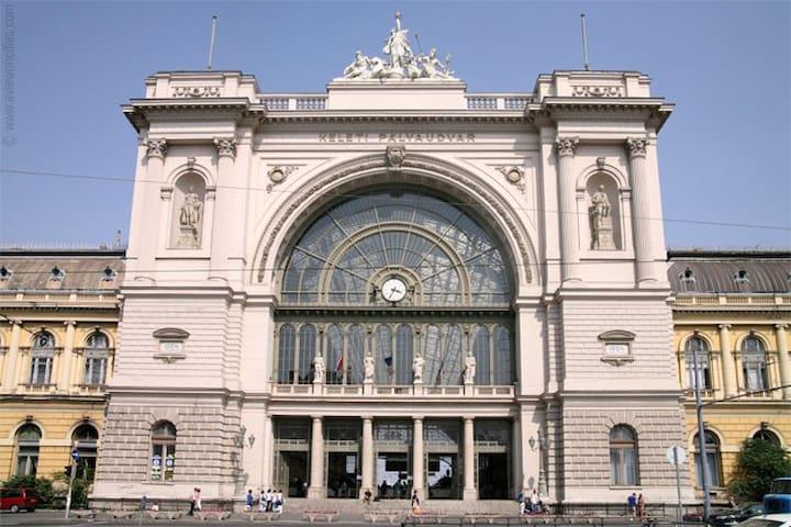 Budapest Keleti Station Studio