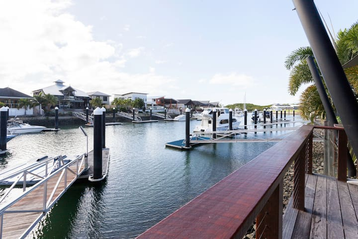 Apollo Quay Apartment On The Water - Trinity Park - Apartmen