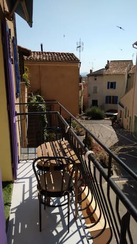 2 rooms, 30m2, in the old town - Roquebrune-sur-Argens - Appartement