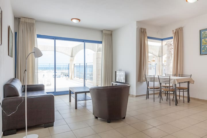 Ashkelon Beach-front Apartment - Ashqelon - Apartment