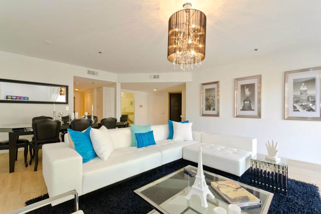 Spacious 3 Bedroom With Pool Apartments For Rent In West Hollywood California United States