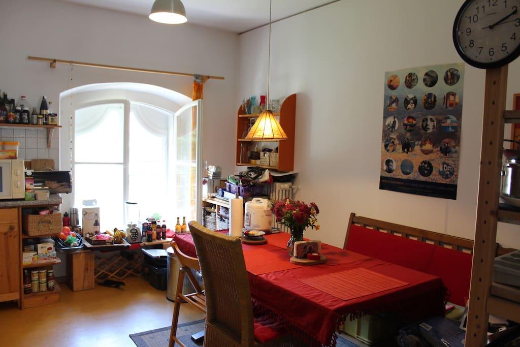 Sitzecke in der Küche, wo du essen und trinken kannst
