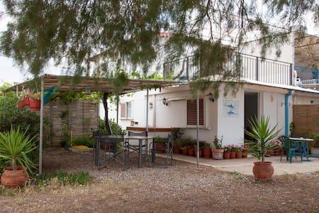 Heerlijk appartement aan het strand - Kantia - Sommerhus/hytte