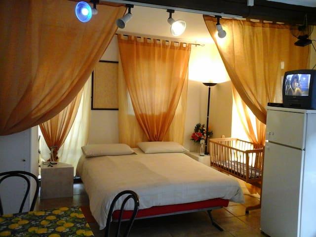 Romantic studio Lago Maggiore - Porto Valtravaglia - Apartment
