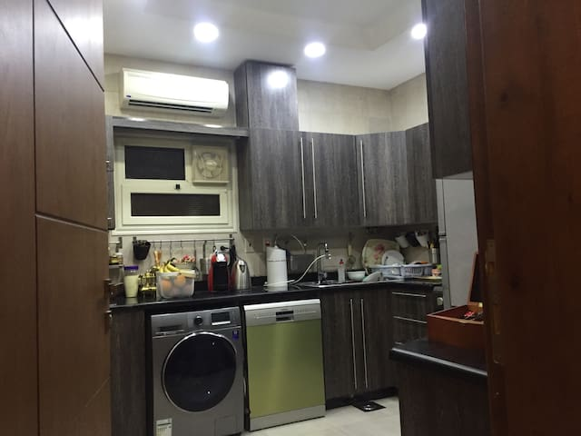 Secure, Cozy & Clean home: Very active area! - Nasr City - Pis