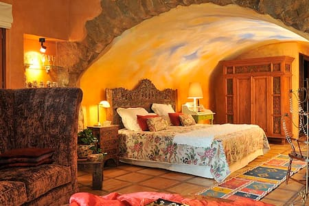 Girona - Suite Unicornio Dorado - Púbol - Hotel butikowy