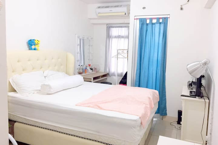 New Furnished Cozy Clean Apartement Greenbay Pluit