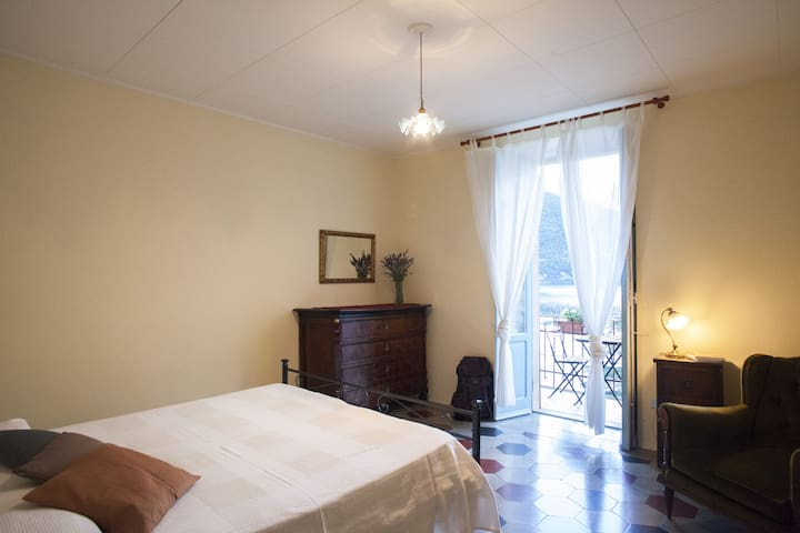 Villa Albonico B&B D/Room superb lake view garden