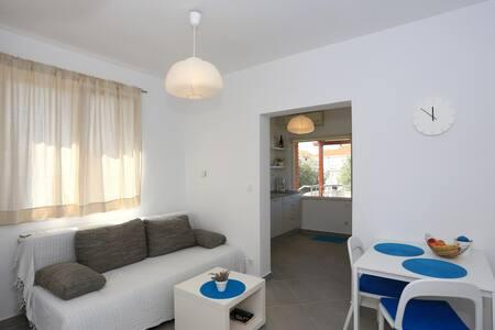 New & Modern studio apartman Iva - Sukošan