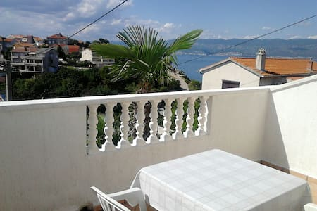 3.Apartment with two balconies. - Appartamento