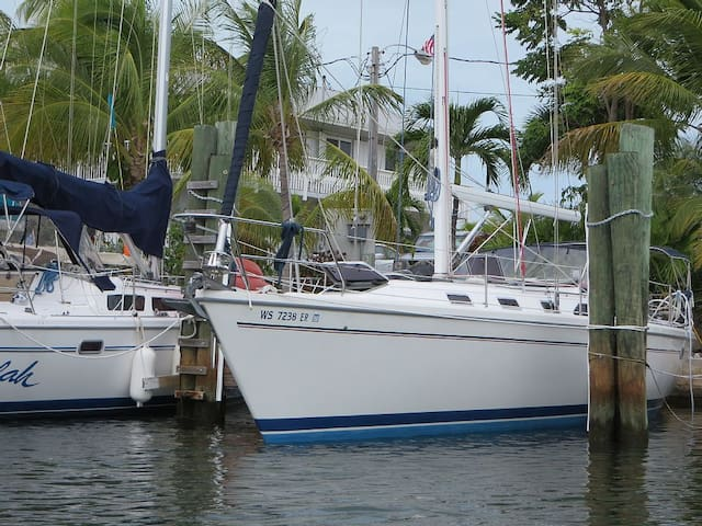 Immaculate 42 ft Sail Boat - Key Largo!