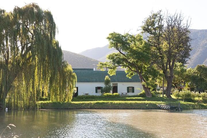 Tranquil farm+dam, birds, pool, relax @ Oue Werf