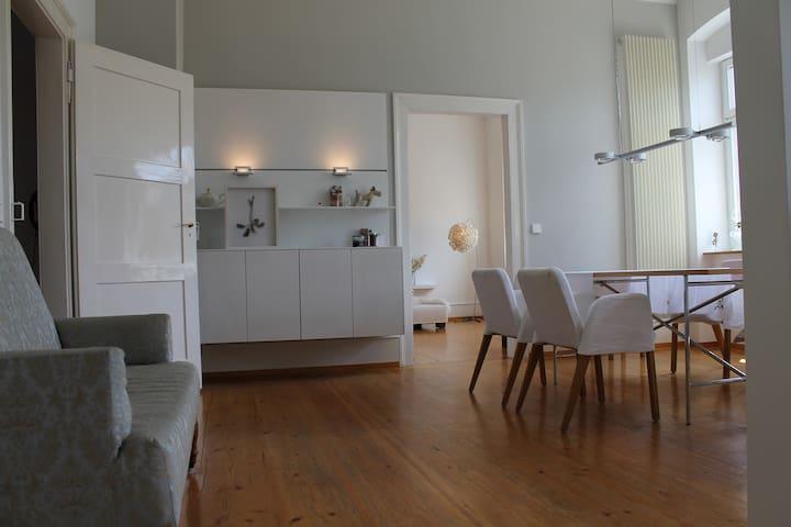 Moderne und ruhige Altbauwohnung