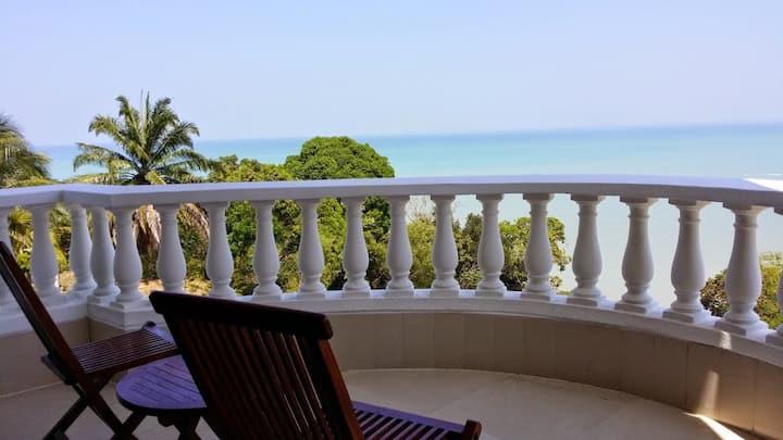 Tropical Sea View & Sunshine