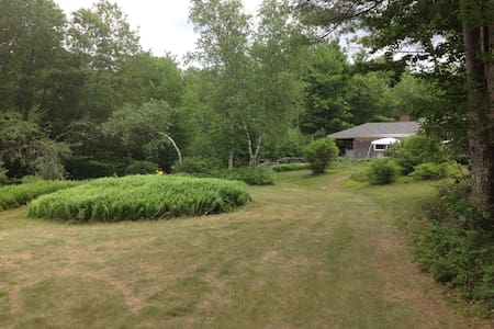 Large summer home on Laurel Lake NH - Fitzwilliam - Dom