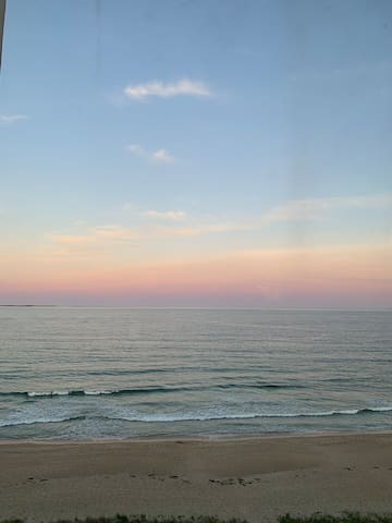 Stunning Views - Beach front Condo, Amenities, Fun