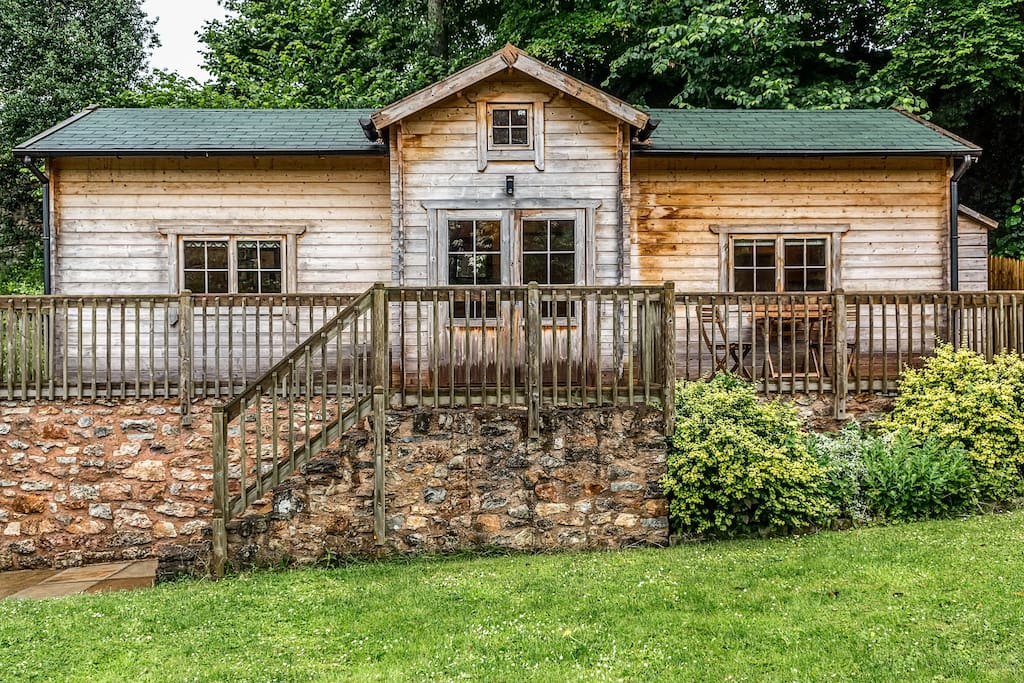 cosy log cabin near wells cottages for rent in wells