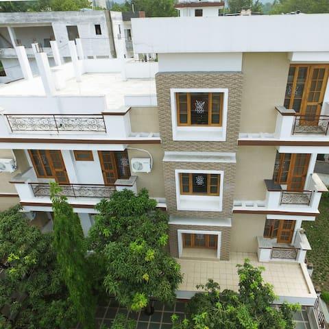 Hari Sharanam * Divine Luxury Abode