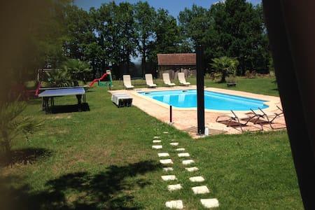 Maison neuve avec piscine chauffée - Beaumont  - Haus