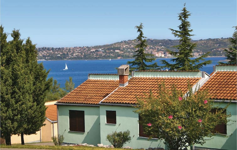 Holiday apartment with 2 bedrooms on 46 m² in Kanegra