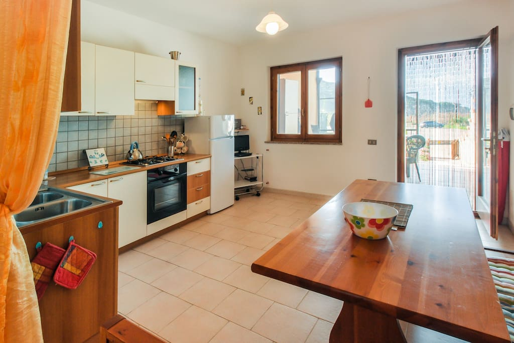 Well equipped, spacious kitchen