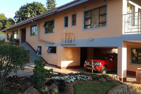 PREMIER GUEST LODGE- BED&BREAKFAST - Harare