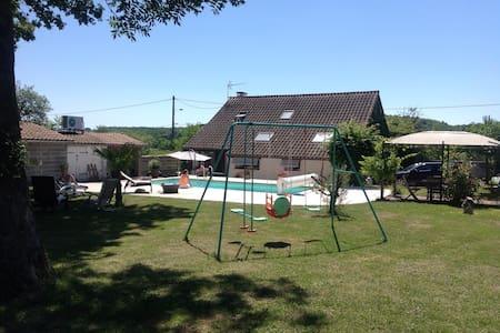 Maison de campagne avec piscine - Brugheas - Hus