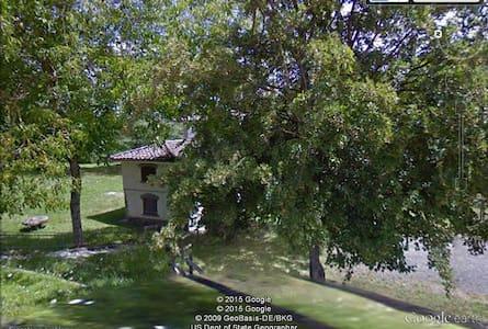 Appartamenti in antico casale - Tornolo - Villa