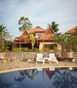 Family-friendly house close to pool and ocean. - Kram - Villa